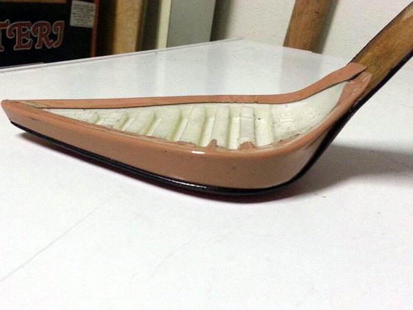 Assemblaggio-parti-della-calzatura-padova