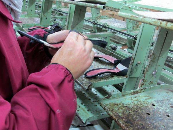 Lavorazione-suole-per-scarpe-lombardia-veneto