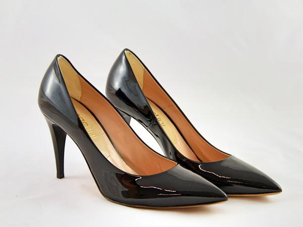 Servizio-lucidatura-professionale-scarpe-in-camoscio-padova